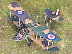 """1:72 Airco TR.2; aircraft """"B"""" (s/n 6135) of the Royal Air Force 157 Squadron; Battle of Amiens, July/August 1918 (Whif/Revell kit) (dizzyfugu) Tags: 172 de havailland airco dh2 pusher biplane raf centenary royal air force orfordness salamander report wwi ww1 trench strafer whif whatif fictional aviation revell model kit modellbau dizzyfugu conversion light earth green grey purple weird camouflage experimental sopwith"""