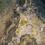 Bird eye view of the rocky landscape covered in moss / Vogelperspektive der felsigen Landschaft umfasst im Moos thumbnail