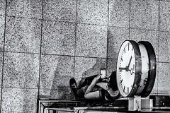 wait for the connection (blende9komma6) Tags: hannover downton germany nikon d7100 centalstation db bundesbahn clock wait warten uhr smartphone mobile street city urban iphone samsung musik bw sw