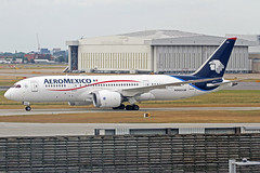 AeroMexico Boeing 787-852 N966AM LHR 28-06-18 (Axel J. ✈ Aviation Photography) Tags: aeromexico boeing 787 n966am lhr london heathrow luftfahrt fluggesellschaft flughafen flugplatz aircraft aeroplane aviation airline airport airfield 飞机 vliegtuig 飛機 飛行機 비행기 авиация самолет תְעוּפָה hàngkhông avion luchtvaart luchthaven avião aeropuerto aviación aviação aviones jet linienflugzeug vorfeld apron taxiway rollweg runway startbahn landebahn outdoor planespotter planespotting spotter spotting fracht freight cargo