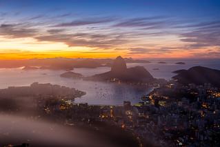 Névoa no amanhecer do Rio de Janeiro