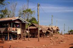 Village, Laos (pas le matin) Tags: laos lao travel voyage world asia asie village town houses maisons wire canon 7d canon7d canoneos7d eos7d bolaven bolavenplateau