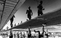 4 Mile (martinbaker76) Tags: martinbaker76 nikon d7000 sigma 1020 blackandwhitelondon thelondonmarathon2018 reflections london uk