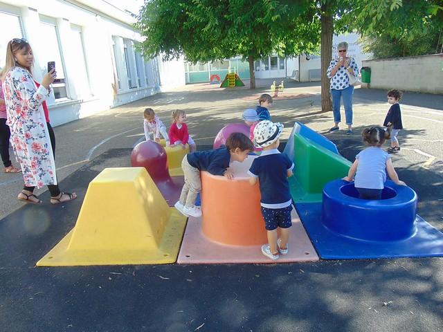 Photo 1 - Les enfants du multi-accueil découvrent l'école