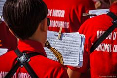 Pepe Antón (SantiMB.Photos) Tags: 2blog 2tumblr 2ig procesión procession verano summer carboneras banda ban músicos musicians partitura score gente people andalucia españa esp
