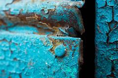 Capas y capas de pintura (Letua) Tags: 52semanas 52weeksproject chapa lifeisarainbow metal old oxido pintura turquesa turquoise viejo