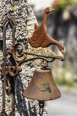 Door bell (Alan Headland) Tags: anjouvelo vintage bicycle saumar loire cycling bikes bicycling event classic nostalgia france bell rust geese ring door gate metal