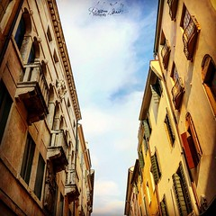 City Sky. (Anderama1) Tags: wall blue cloud street citystreet padua padova ognimomentoèqulogiusto italy italia city photografy photo amphoto fotografia
