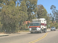 Edco Truck 7-3-18 (1) (Photo Nut 2011) Tags: california garbagetruck trashtruck sanitation wastedisposal waste truck garbage junk trash refuse sandiego edco m452