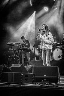 Jacqui Abbott - live with Paul Heaton