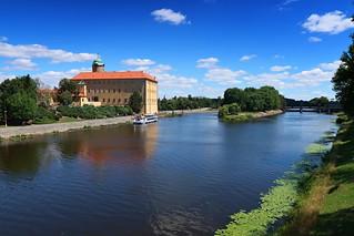 Poděbrady, the River Elbe and the castle.