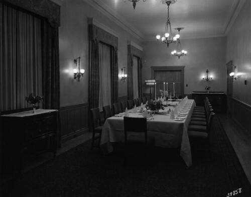 Private dinner salon, Bessborough Hotel, Saskatoon, Saskatchewan / Salle à manger privée, hôtel Bessborough, Saskatoon (Saskatchewan)