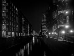 Kanal-sw_7202459 (clauslabenz) Tags: deutschland hamburg hafen hafencity architektur street sw