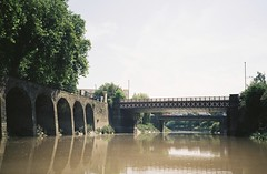 Bedminster Bridge (knautia) Tags: riveravon bristolferry bristol england uk july 2018 film ishootfilm olympus xa2 olympusxa2 kodak kodacolor 200iso nxa2roll36 river avon ferry bedminsterbridge redcliffe