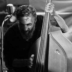 Demons (auqanaj) Tags: amberg altstadtfest 2018 liveperformance music nikon d700 114 sunnyrecorders bass doublebass uprightbass blackandwhite schwarzweis monochrome mrhorsepower sticker