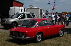 1975 Alfa Romeo GT Junior 1.6 Lusso (rvandermaar) Tags: 1975 alfa romeo gt junior 16 lusso alfaromeo alfaromeogtjunior alfaromeogt alfagt alfagtjunior gtjunior sidecode3 33fp85