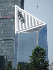 Scalpel (52 Lime Street), Kohn Pedersen Fox Associates (Architects), Lime Street, London (f1jherbert) Tags: canonpowershotsx620hs canonpowershotsx620 canonpowershot sx620hs canonsx620 powershotsx620hs canon powershot sx620 hs powershotsx620 powershoths londonengland londongreatbritian londonunitedkingdom greatbritain unitedkingdom london england uk gb great britain united kingdom scalpel52limestreet kohnpedersenfoxassociatesarchitects limestreet
