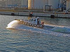 18063000978battello (coundown) Tags: genova battello porco panorama scorci barca barche navi lanterna spiagge viste pilota pilot