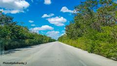 To the end of the earth (johnfranky_t) Tags: strada t messico mexico yucatan alberi nuvole samsung s7 azzurro verde cielo road clouds trees rettilineo johnfranky