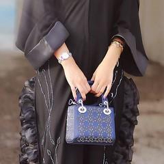 #Repost @s_aldhmaneii7 • • • • • كل الأشُياء الحُلوه تشبّه عيونها. 💆♀️ #abayas #abaya #abayat #mydubai #dubai #SubhanAbayas (subhanabayas) Tags: ifttt instagram subhanabayas fashionblog lifestyleblog beautyblog dubaiblogger blogger fashion shoot fashiondesigner mydubai dubaifashion dubaidesigner dresses capes uae dubai abudhabi sharjah ksa kuwait bahrain oman instafashion dxb abaya abayas abayablogger