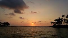 Sunset in paradise (samytux) Tags: sunset hawaii bigisland landscape clouds pacific pacificocean beach waiuluabay