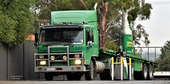 photo by secret squirrel (secret squirrel6) Tags: secretsquirrel6truckphotos craigjohnsontruckphoto australiantrucks bigrigs worldtrucks truckphotos volvo fill fuel mirboonorth green diesel bp