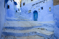 Blue Alley II (Darren Poun) Tags: chefchaouen morocco moroccan africa arab arabic traveling nikon d800 d800e nikkor24mm f14 street