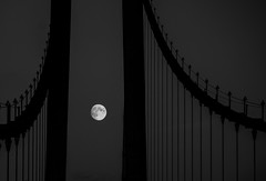 Moon over the bridge (MortenTellefsen) Tags: moon fullmåne fullmoon monochrome bw blackandwhite blackandwhiteonly måne askøy bridge bro