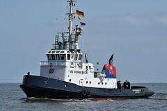 VB Rönnebeck (Bernhard Fuchs) Tags: boat cuxhaven hafenschlepper elbe hochseeschlepper nikon schiffe schlepper ship ships tug vessel water boot schiff wasser
