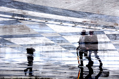 Reflection (MelindaChan ^..^) Tags: rome italy 意大利 羅馬 people life pattern grid piazzavenezia italian chanmelmel mel melinda melindachan reflection piazza venezia 威尼斯廣場
