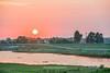 _Y2U2637.0718.Vĩnh Phúc. (hoanglongphoto) Tags: asia asian vietnam northvietnam landscape scenery vietnamlandscape vietnamscenery vietnamscene countruyside countruysideinvietnam northernvietnam river water watersurface sunset sky redsky sun hdr canon canoneos1dx canonef70200mmf28lisiiusm bắcbộ làngquê nôngthôn phongcảnh phongcảnhlàngquêviệtnam hoànghôn bầutrời mặttrời bầutrờimàuđỏ nhà dòngsông mặtnước bãicỏ
