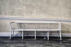 wees gezeten (roberke) Tags: simpel eenvoudig eenvoud zitbank lijnen lijnenspel muur wall floor vloer bench white wit minimalisme
