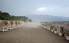 THE STORM (LitterART) Tags: iltramonto sturm storm beach strand restaurant bar beachbar stabilimento tuscany toskana toscana orbetello gianella