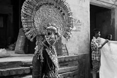 Street shot, Varanasi India (mafate69) Tags: asia asie asiedusud southasia subcontinent souscontinent inde india up uttarpradesh varanasi benares benaras kashi street streetshot streetlevelphoto bw blackandwhyte nb noiretblanc portrait photoreportage photojournalisme photojournalism reportage rue documentaire documentary hindouisme hindu hinduist hinduism hindou procession mafate69