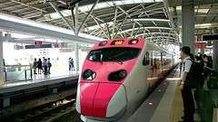 台灣鐵路普悠瑪特快車 Taiwan Rail Puyuma Express (葉 正道 Ben(busy)) Tags: taichung station taiwan people 台中 車站 台灣 人 taiwanrail puyuma 台灣鐵路 普悠瑪 特快車 train 火車 電車 tram 鐵路 railway