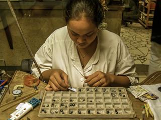 Making black pearl jewelry