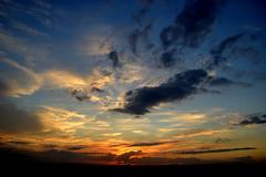 Sombras e nuvens (Eduardo Amorim) Tags: pôrdosol poente entardecer poniente atardecer sunset tramonto sonnenuntergang coucherdesoleil crepúsculo anoitecer pelotas costadoce riograndedosul brésil brasil sudamérica südamerika suramérica américadosul southamerica amériquedusud americameridionale américadelsur americadelsud brazil eduardoamorim