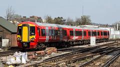 387213 (JOHN BRACE) Tags: 2015 bombardier derby built class 387 electrostar emu 387213 seen east croydon station gatwick express livery