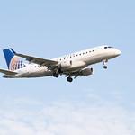 United Express Embraer 170 Landing at IAH 1806111802 thumbnail