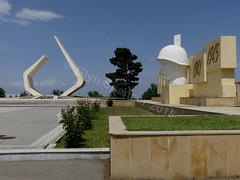 WW 2 memorial and grave of the unknown soldier (glynspencer) Tags: ganja azerbaijan az