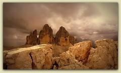 TRE CIME DI LAVAREDO (sigma18 (Mauro)) Tags: trecimedilavaredo trecime lavaredo dolomiti montagne veneto belluno italia paesaggio natura cielo nuvole roccia