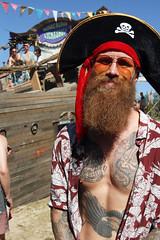 De piraat en zijn schip (Passetti) Tags: wildeburg netldewildstetuin kraggenburg flevoland 2018 festival dance dansmuziek hippie hippies burning music muziek nachtvlinders nachtleven djs cultuur jeugdcultuur millennials