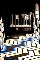 Une expo qui met ses visiteurs sur les genoux ! (Isa-belle33) Tags: exposition couleurs colors bordeaux grafitti streetart urban urbain basesousmarine city ville indoor fujifilm