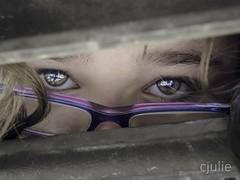 absorbée (cjuliecmoi) Tags: portrait yeux regard eyes