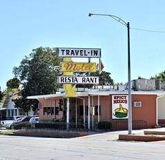 Travel-In Motel - Bowie,Texas (Rob Sneed) Tags: usa texas bowie montaguecounty travelinmotel spicymexicorestaurant texmex smalltown motel restaurant urban texana americana independent business arrowsign texas101 roadtrip neon crosstimbersecoregion