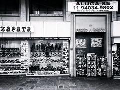 For Rent (Diego3336) Tags: shopping window windows display glass store storefront retail shoe shoes sandals boots flipflop flipflops havaianas zapata street streetshopping shoppingstreet visualmerchandising sidewalk streetshot streetphoto building urban bw blackandwhite blackwhite whiteblack republica centrosp clicksp saopaulo sp brasil brazil southamerica latinamerica cameraphone monochrome monochromatic