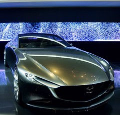 Geneve pover #3 #genevemotorshow2018 #car #concept #mazda #light (ema_leo) Tags: 3 car light concept genevemotorshow2018 mazda
