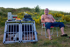 Outdoor living (Missy Jussy) Tags: outdoor outside camping campingtrip cooking dogs northumberland druridgebay coast field flowers evening eveningsun man trevorkerr chair 50mm ef50mmf18ll ef50mm canon50mm fantastic50mm canon canon5dmarkll canon5d canoneos5dmarkii hillside smoke fryingpan gasstove campingstove hemscotthillfarm