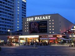 Hardenbergstraße, Berlin (Stewie1980) Tags: berlin deutschland germany allemagne charlottenburg hardenbergstrase zoo palast kino abend street evening bluehour cinema facade highrise urban city