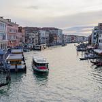 Ponte di Rialoto e Canal Grande, San Marco (Venise, Italie)